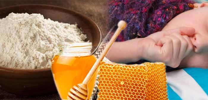 Лепешка с медом и мукой