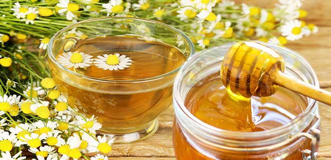Мед с отваром ромашки