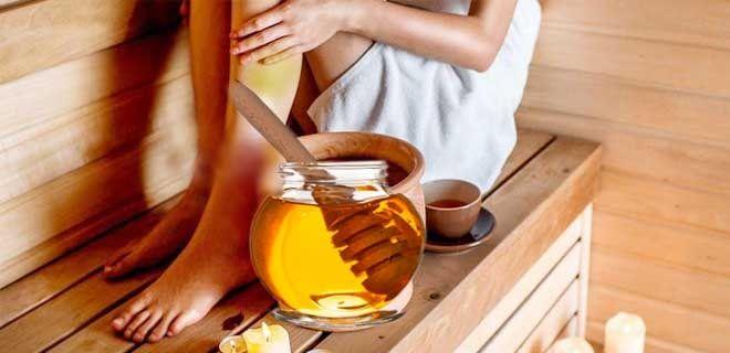Натирание медом в бане